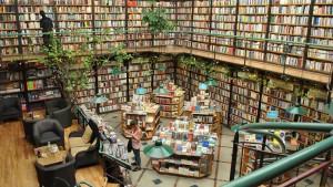 Cafebreria-El-Pendulo-Bookstore-Mexico