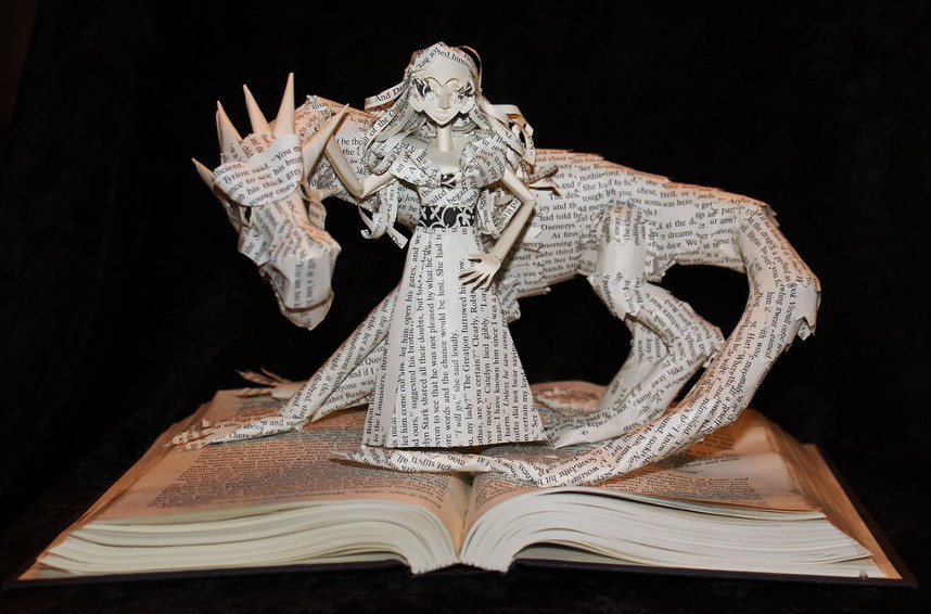 Le sculture di libri di Jodi Harvey-Brown