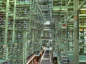 Città del Messico è una delle città più grandi del mondo, e la sua biblioteca non poteva essere da meno: la Biblioteca Vasconcelos, nota come la Megabiblioteca, ospita al suo interno la bellezza di 500.000 volumi.